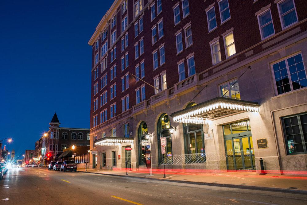 hotel-julien-dubuque-exterior-e1425411754969.jpg