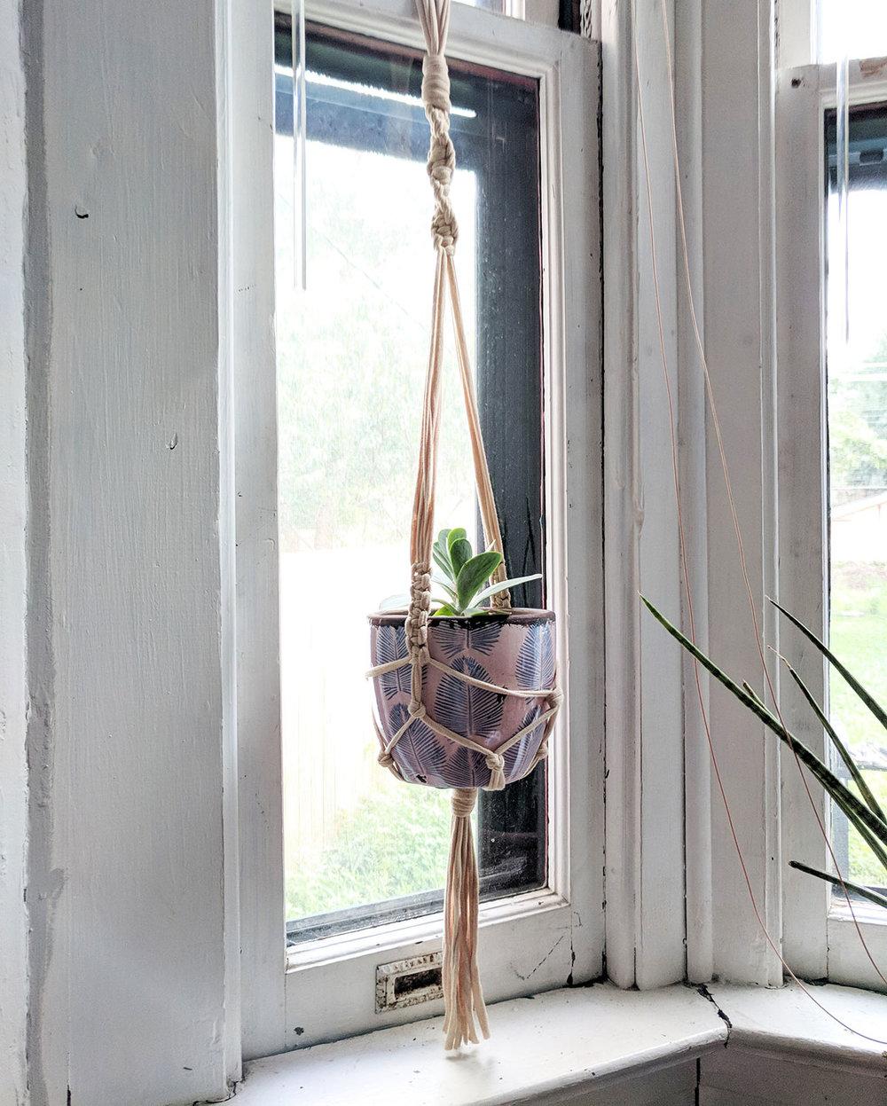 Macrame-Plant-Hanger-1.jpg