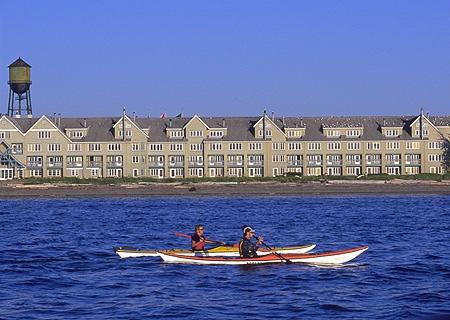 semiahmoo-resort-kayakers.jpg