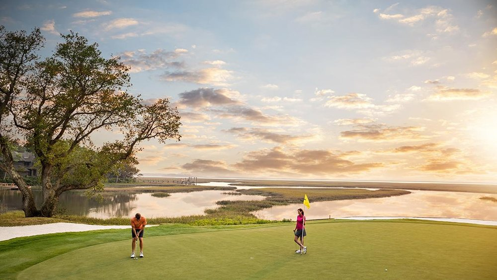 aiprst-omni-amelia-island-plantation-resort-golf-marsh-couple.jpg