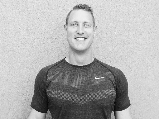Hi! My name is Russ. - Since 1999, I have owned and operated 4 personal training studios, working with clients in over 12,000 personal training sessions, including countless hours of nutrition coaching. I know what works!