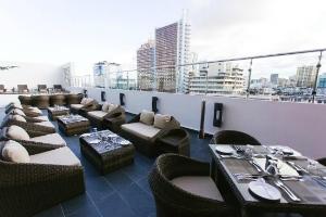 RMADA+ENCORE+DAR+ES+SALAAM+HOTEL+PATIO.jpg