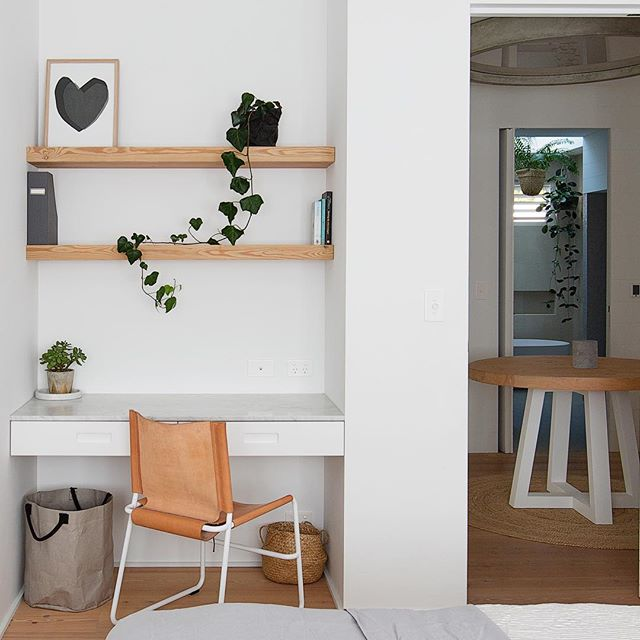 Beukers building project designed by @aligriffithsstylist shelves mitred floorboards by @mafiaustralia to look like solid timber Carrara marble from @granitemarbleworks #concretelight from @gineico_interiors