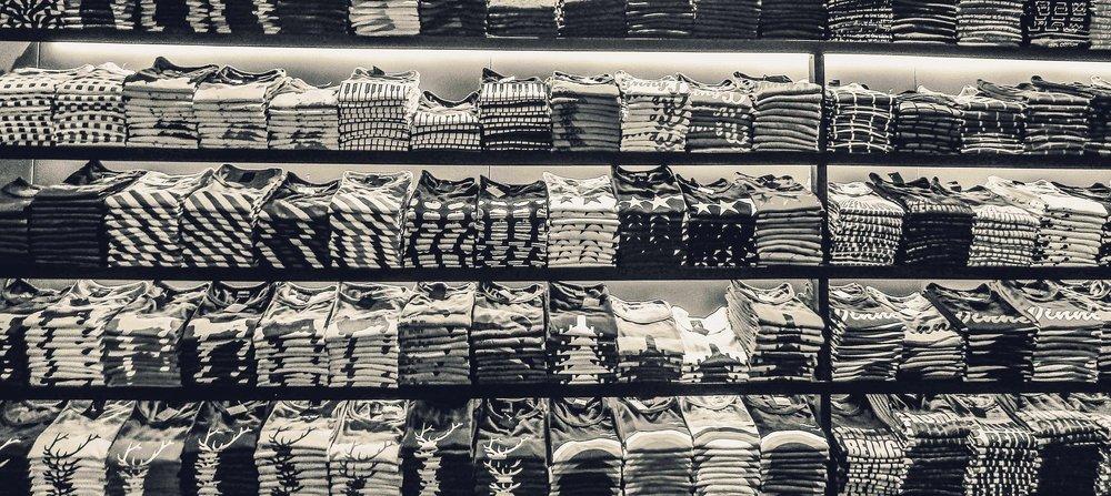 t-shirts-2731768_1920.jpg