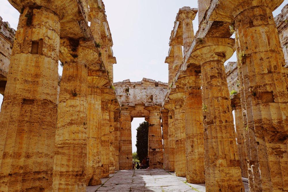 Walking around inside the Temple of Hera II