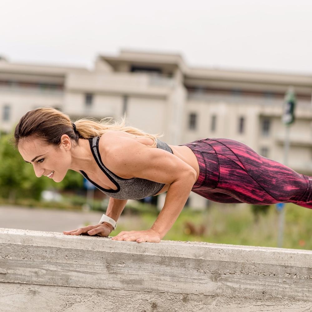 PLAN DE FITNESS - La fel ca si dieta, antrenamentele sunt concepute ca tu sa obtii cele mai bune rezultate, intr-un mod distractiv. Este rezultatul acumulat din exeprienta si cunostintele mele despre transformarea eficienta a corpului.exemple sesiuni