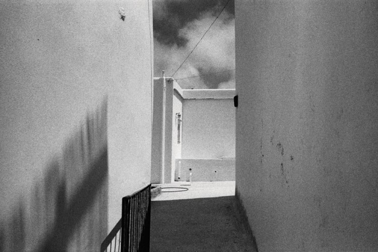 Tinos | 2013 | Leica M4 / Voigtlander 28mm f/2 / Kodak Tri-X 400 Οι σκιές είναι σηµαντικές