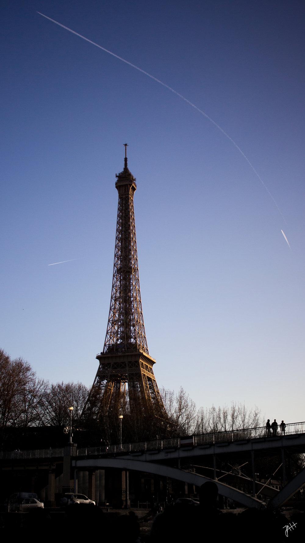 paris-eiffeltower2.jpg