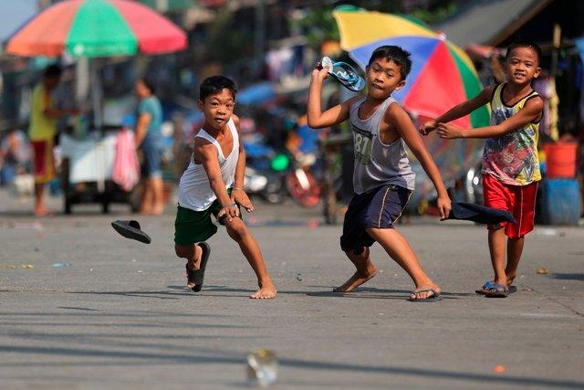 Philippines-children-tumbang-preso.jpg