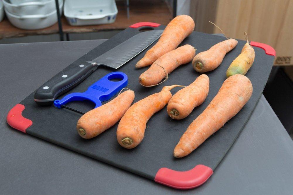 carrots-to-peel-1024x682.jpg