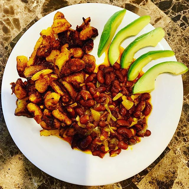 Another nutritious and filling 🥘! Red Plantain, Red Beans and fresh Avocados 🥑🥑🥑 red palm oil....onion...garlic..... #nomeat #healthylunch #healthydinner #avocado #plantain #plantains #plantbased #plantbaseddiet #plantbasedprotein #plantprotein #lunch #dinner #plantbaseddinner #flavor #eatclean #motivation #instafood #instagood #lifestyle #lunchideas #eatclean #weightloss #weightlossjourney #fitfam #awareness #vegan #fit #mediterraneandiet #foodie #glutenfreerecipes
