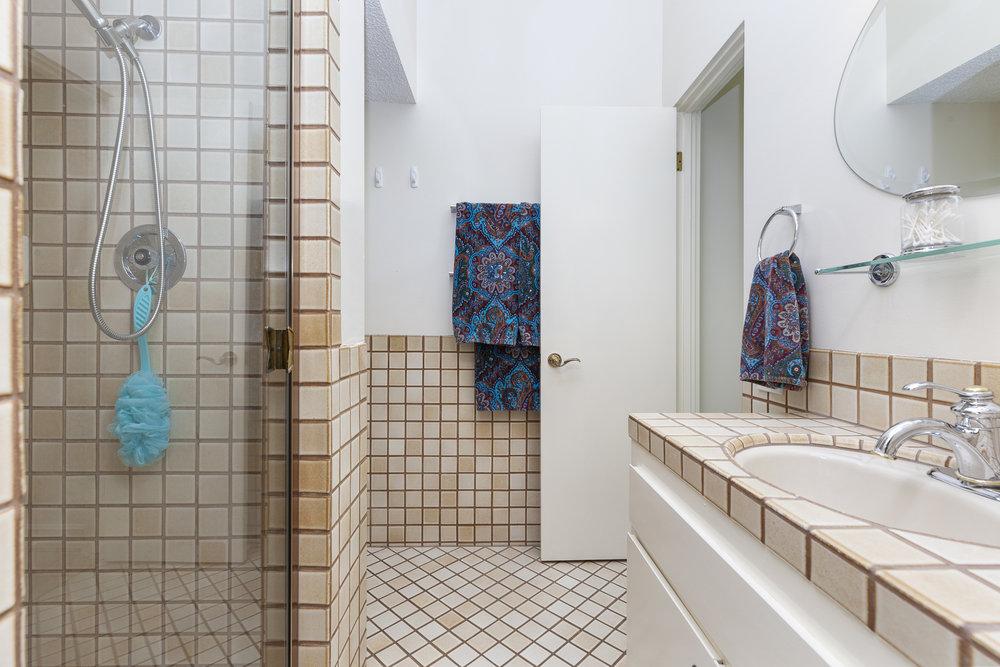030_Master Bathroom .jpg