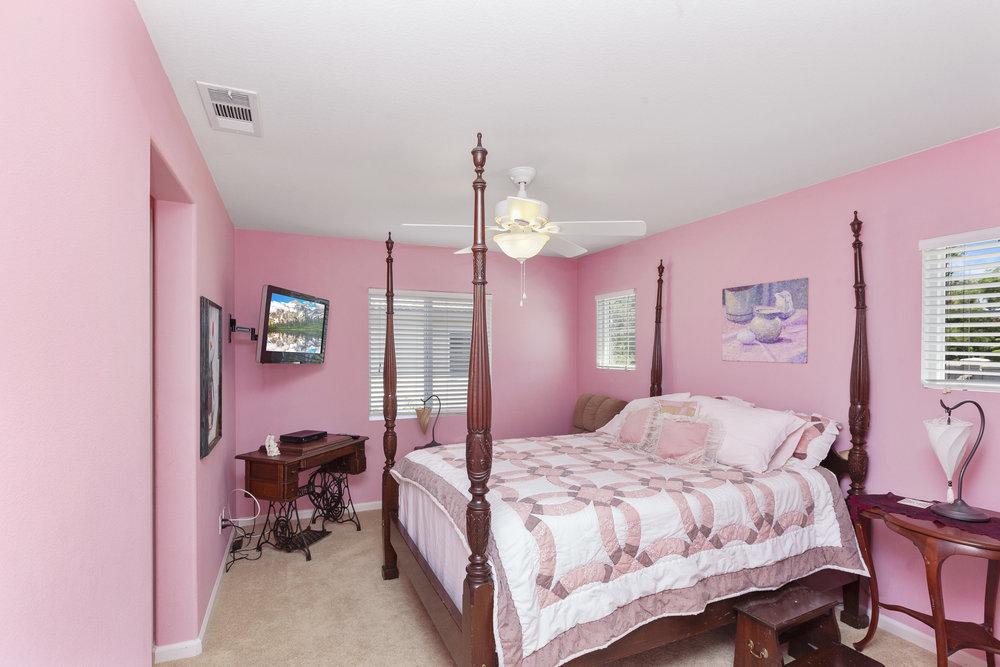 025_Bedroom .jpg