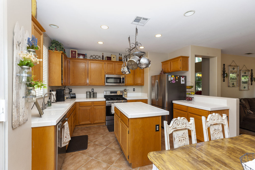 020_Kitchen .jpg