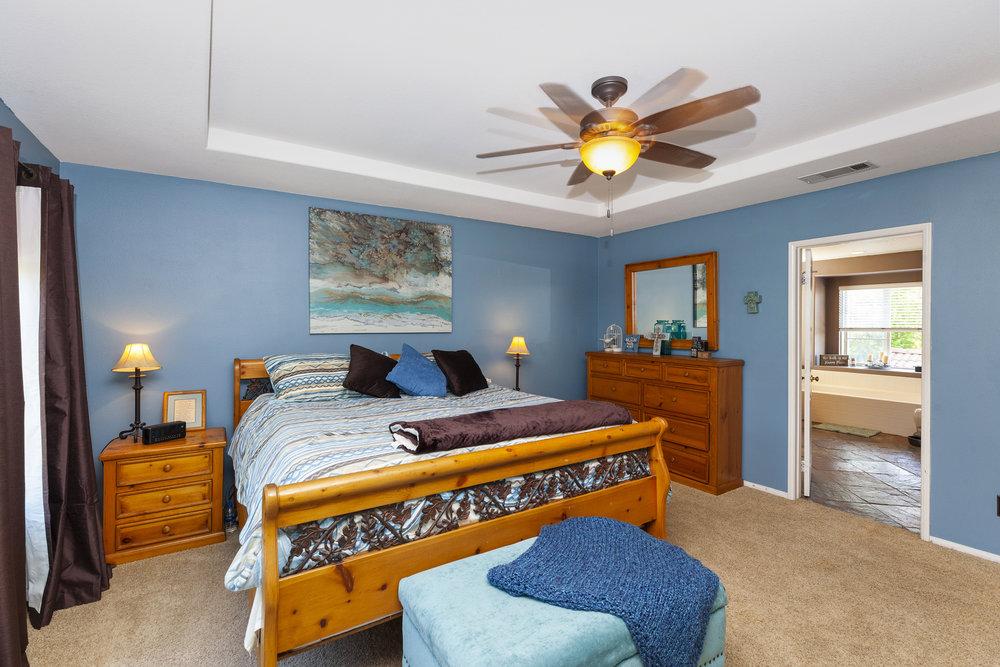 026_Master Bedroom .jpg