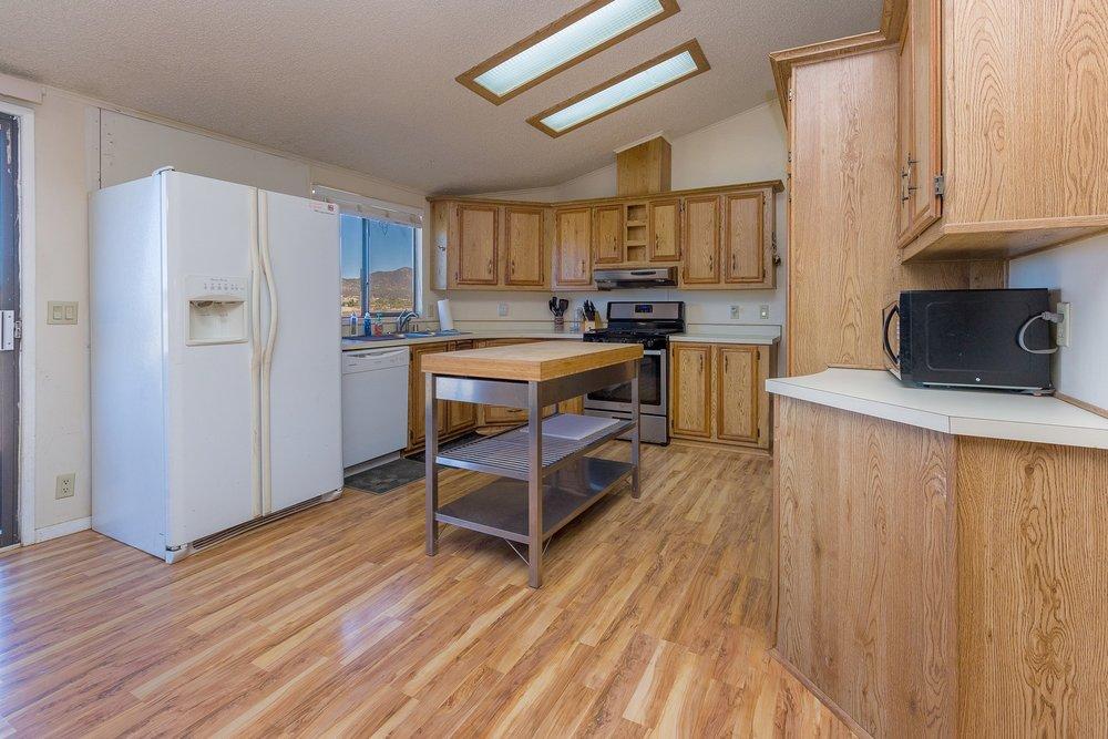 017_Kitchen .jpg