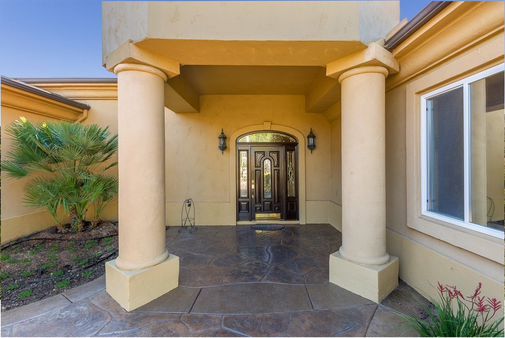 014_Front Entry .jpg