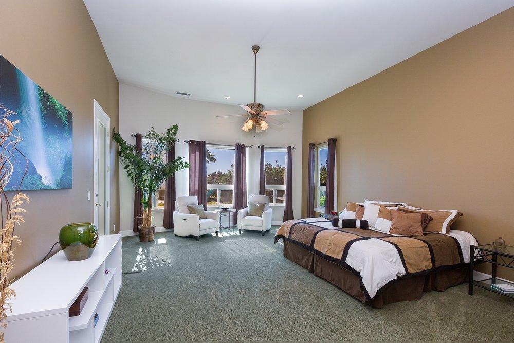 050_Master Bedroom .jpg