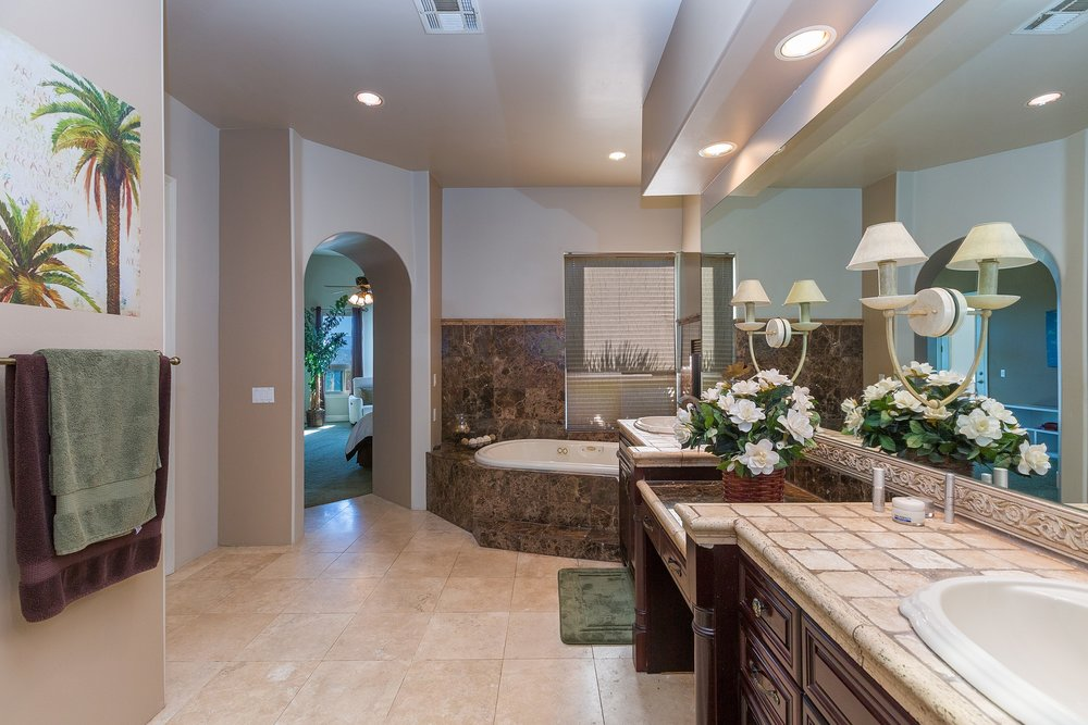 053_Master Bathroom .jpg