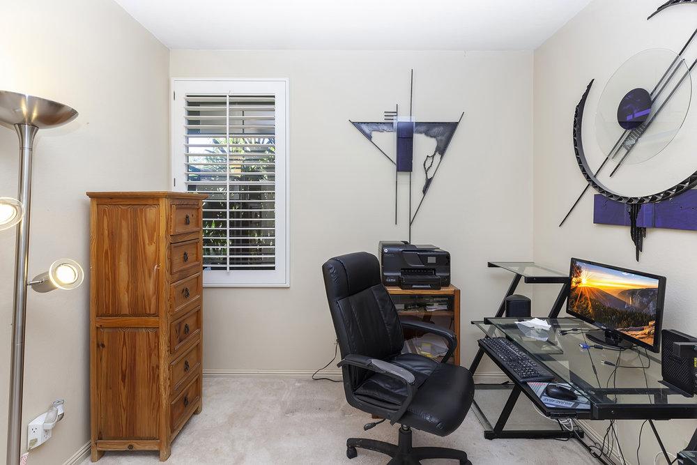 013_OfficeBedroom.jpg