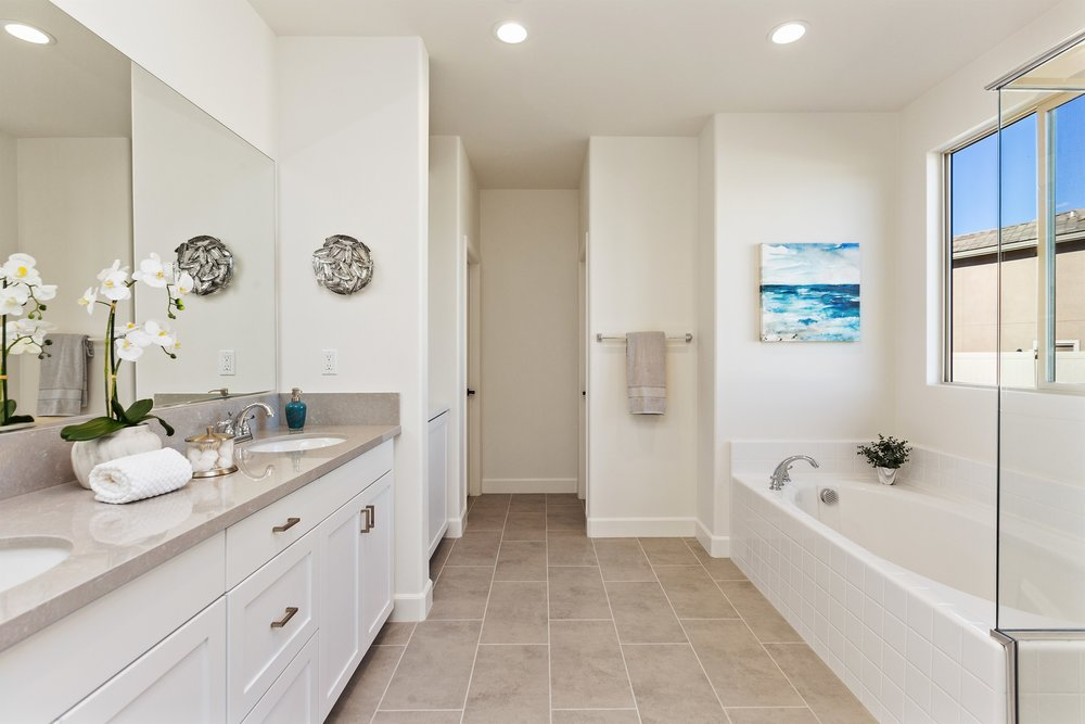 032_Master Bathroom.jpg