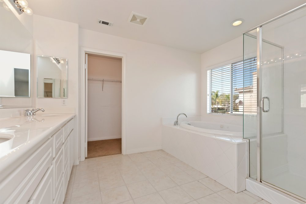 028_Master Bathroom.jpg