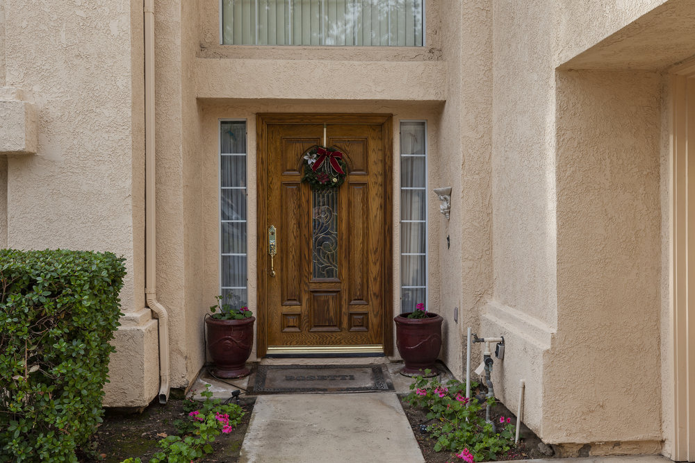 005_Front Entry.jpg