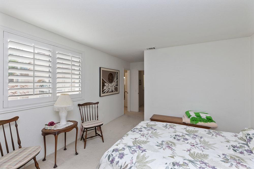020_Upstairs Bedroom 1.jpg