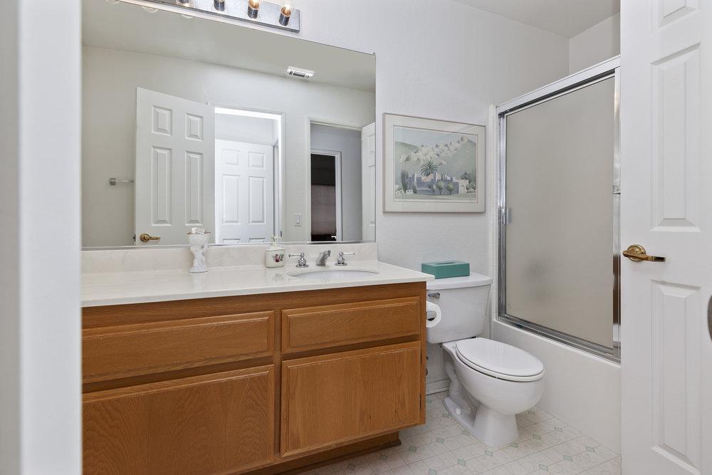 021_Upstairs Bedroom 1 Bath.jpg