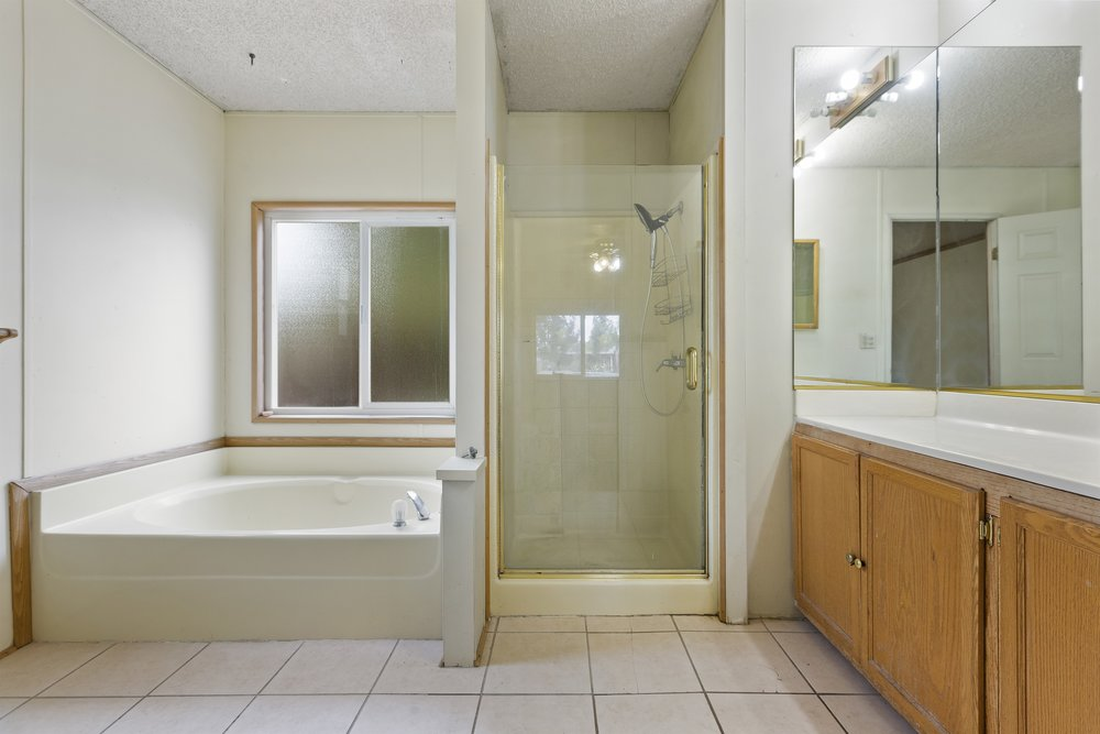 024_Master Bathroom.jpg