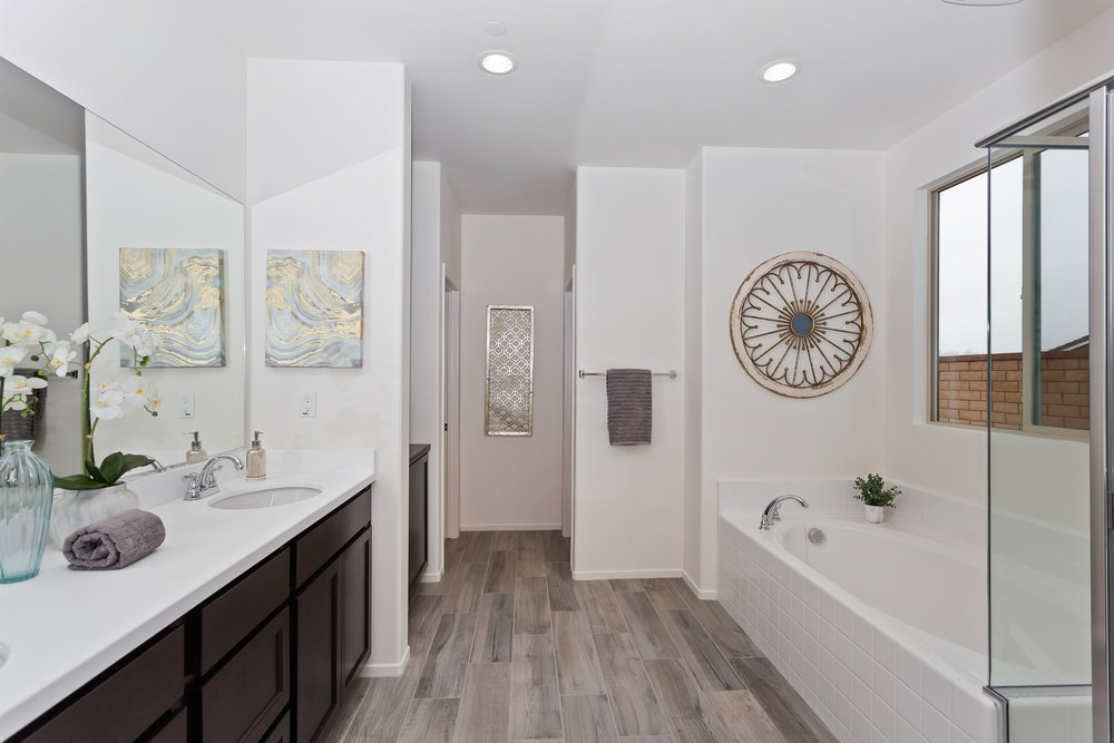 034_Master Bathroom .jpg