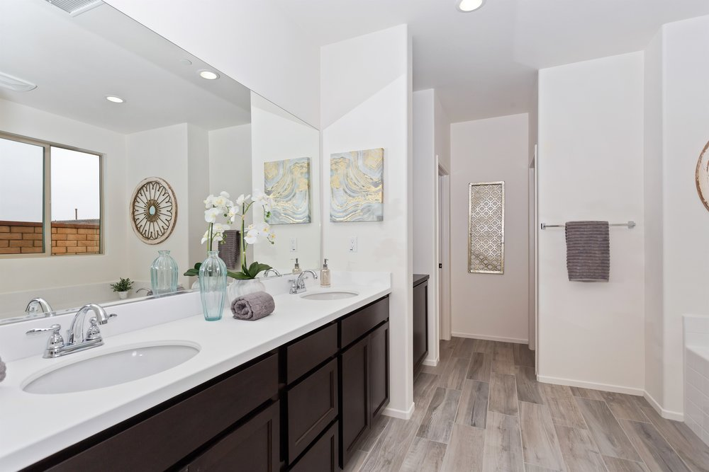 035_Master Bathroom .jpg