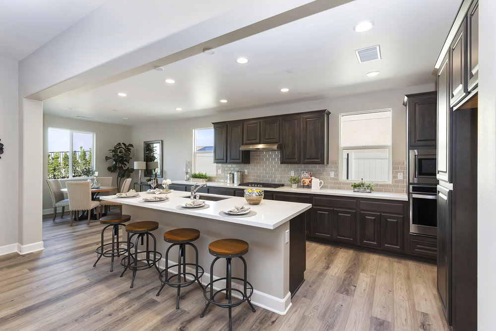 011_Kitchen .jpg