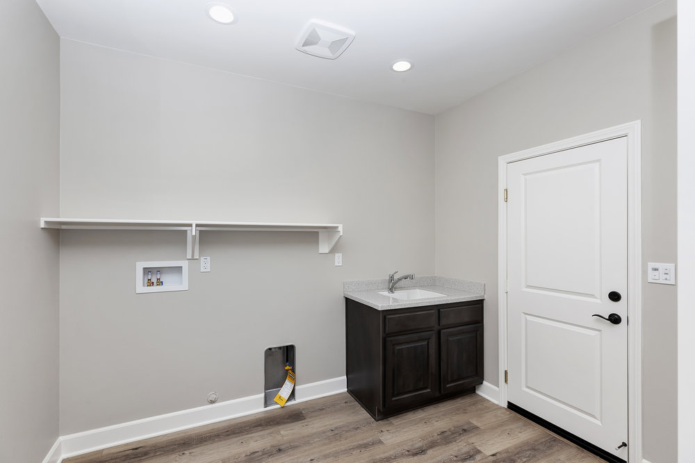 022_Large Laundry Room.jpg
