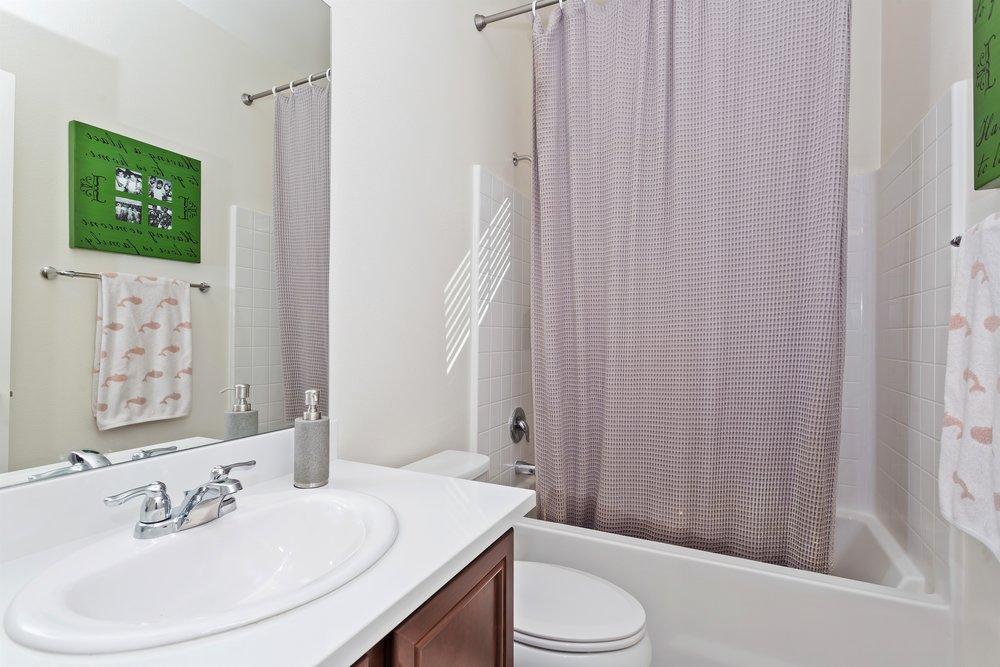 016_2nd Floor Bathroom.jpg