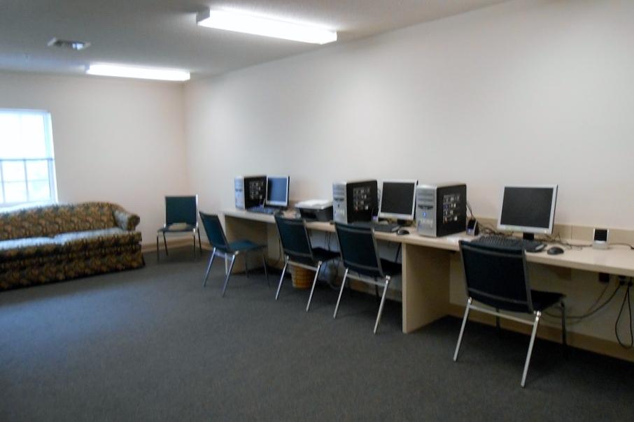 5. Computer Room.JPG