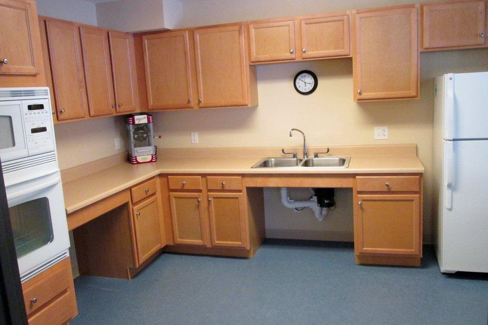 Photo 4-Community Kitchen.JPG