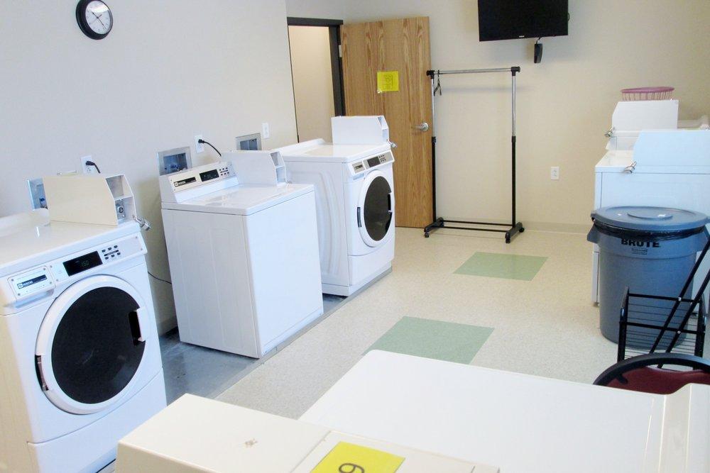 Photo 12-Laundry Room.JPG