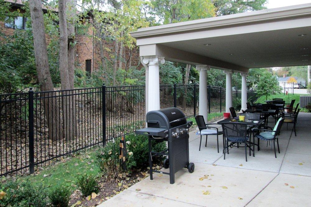 Photo 9-Back patio.JPG