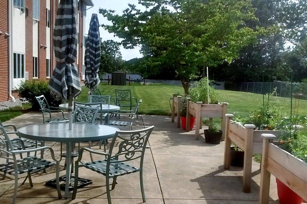 AHEPA+39+-+Back+patio.jpg