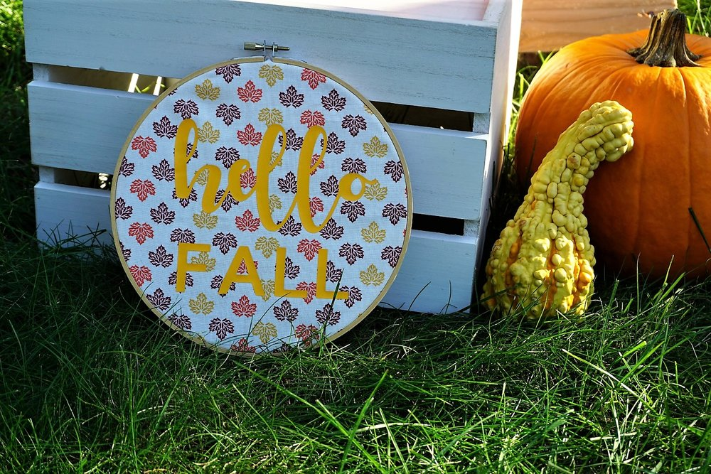 Circuit ion-on and embroidery hoop make for great fall party decor. Click here to re-create this fun fall party! | Legally Crafty #fallparty #bonfire #girlsnightin #girlsnight #basicfallgirl