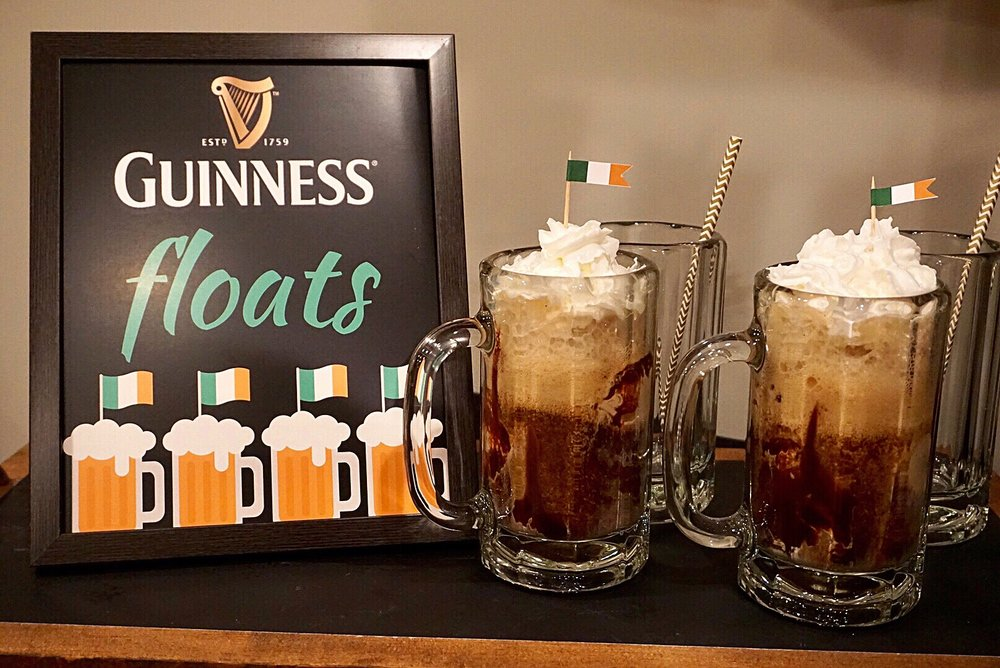 Guinness floats free printable sign for St. Patrick's Day parties.