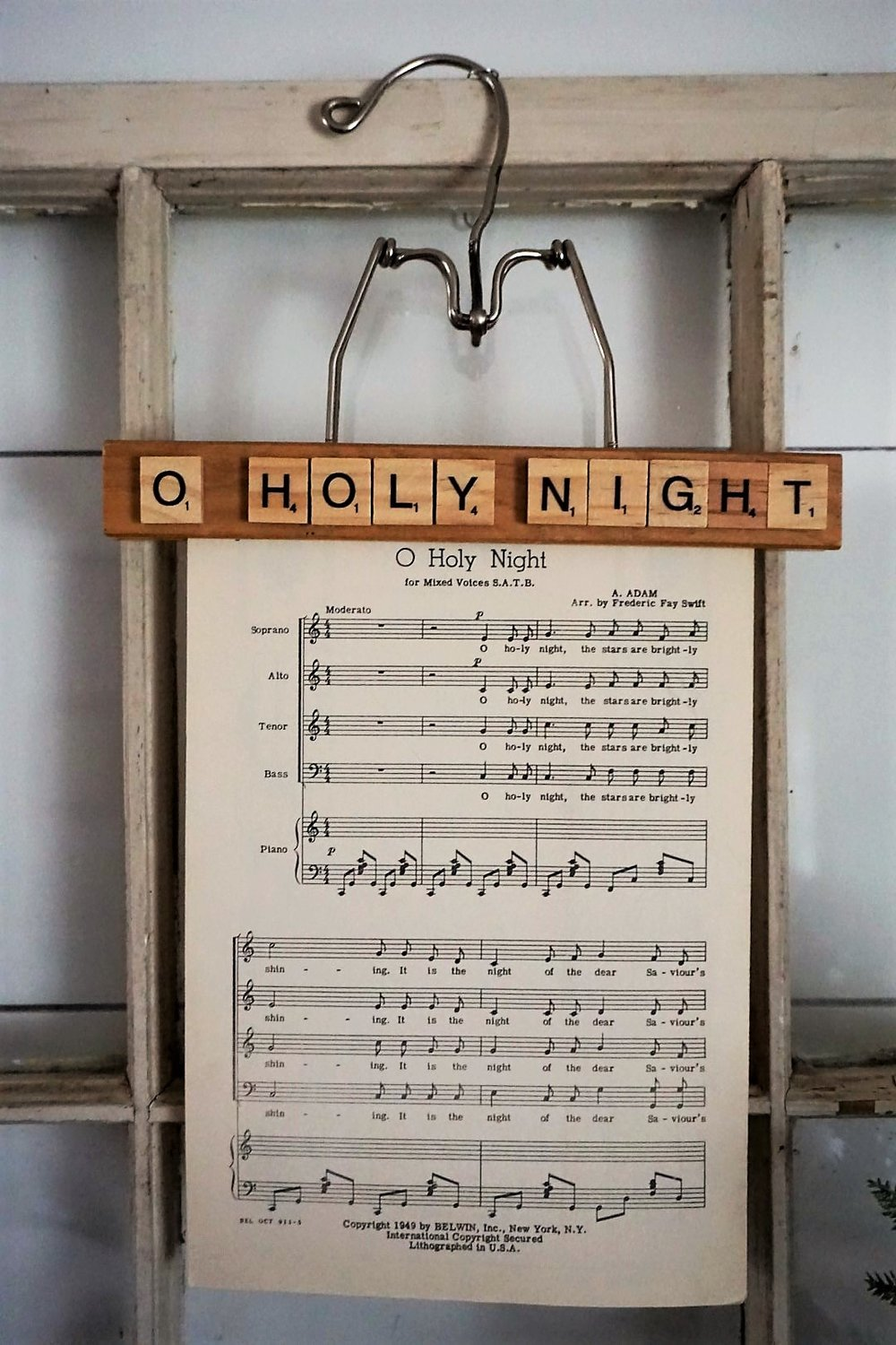 O Holy Night sheet music makes beautiful a Christmas decoration.