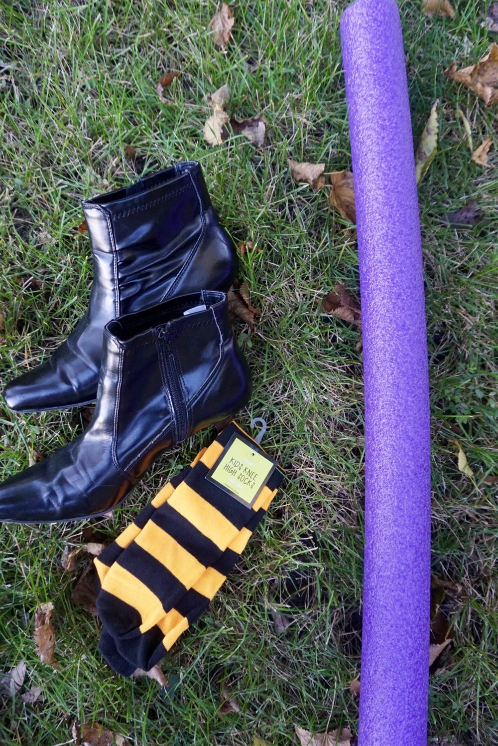 Supplies needed for DIY witch legs. #halloweencrafts #halloweendiy