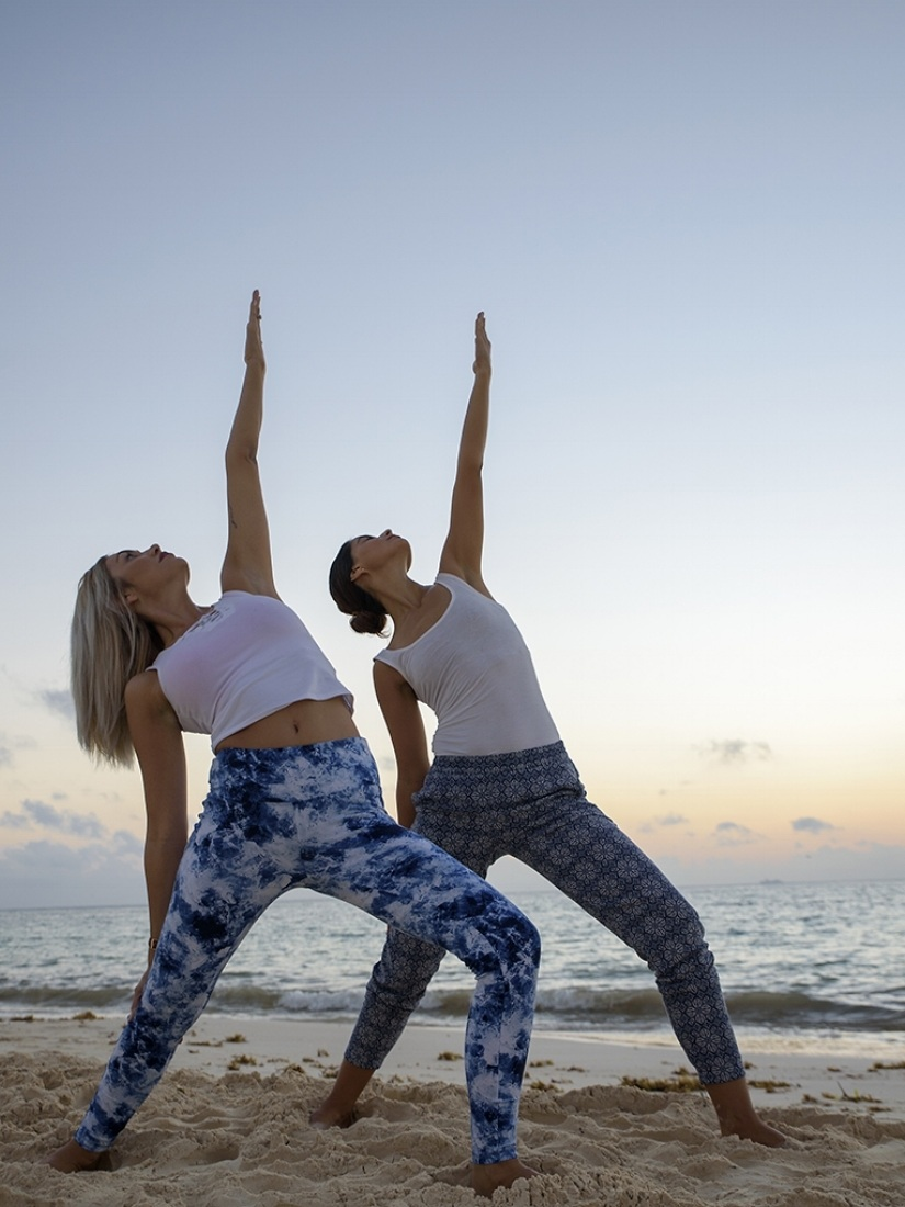 two+yogis+on+the+beach