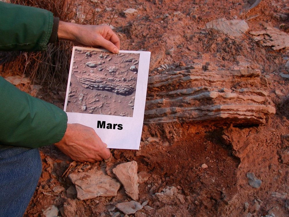 Nippewalla Outcrop & Mars photo.jpg