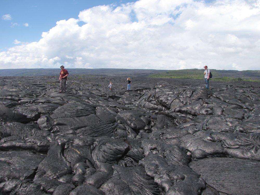 HawaiiMaunaLoaFlow2011.jpg
