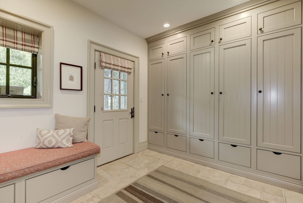 GREATJONE-2106VIRGINIA-MUDROOM-1.jpg