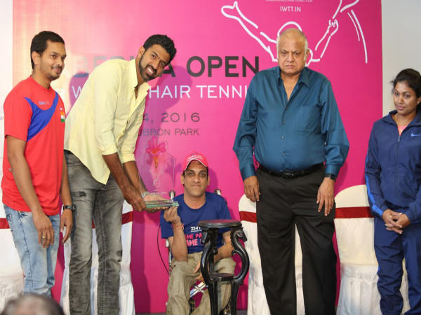Rohan Bopanna (left) at the press conference of wheelchair tennis tournament on Tuesday, Nov 29