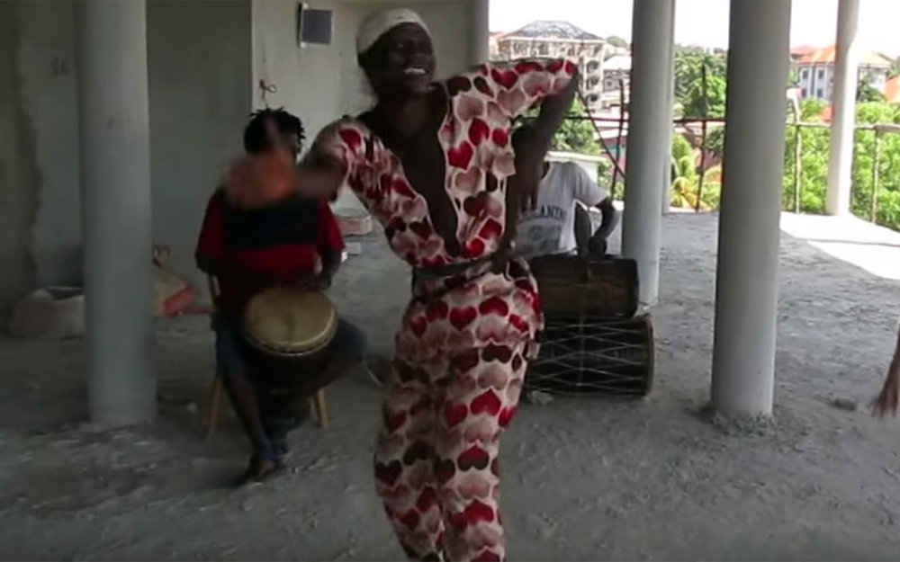 466.KASSA / Guinea - KASSA is a dance and rhythm from the Malinke people of Northeastern Guinea. It is a rhythm for the farmers and Kassa means